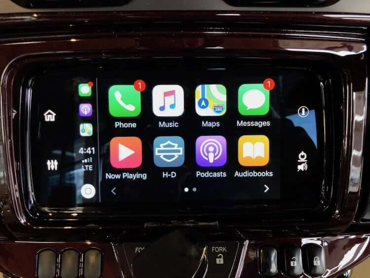 Harley-2019-Boom-Box-GTS-Review-Apple-Car-Play-Android-Auto