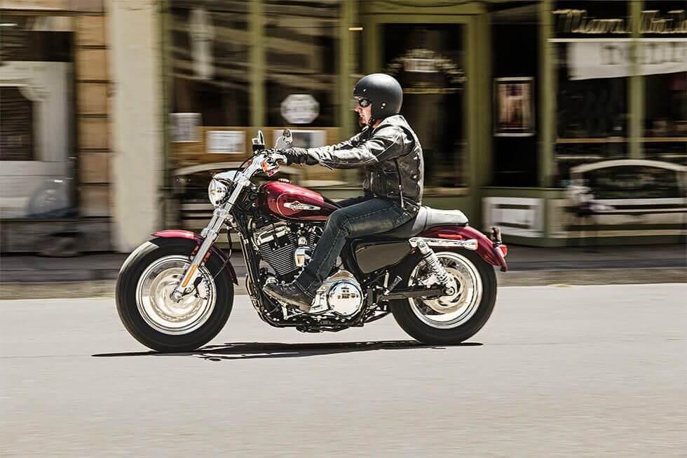 harley-davidson-1200-custom-06
